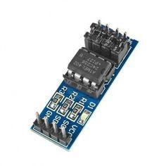 Secundair opslagmedium dat eenmaal geschreven, de data bewaart, zelfs als de stroom is uitgeschakeld. Vergroot de geheugen mogelijkheden van uw microcontroller met deze AT24C256 256K Seriële EEPROM module. Arduino Modules, Data, Audio, Music Instruments, Musical Instruments