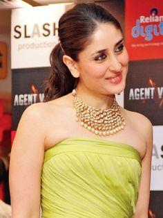 Kareena Kapoor wearing jadau necklace
