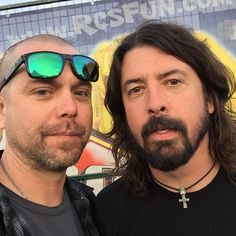 So last night this happened... #DaveGrohl @foofighters @Nirvana  from @BelongInsane on Twitter