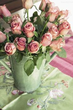 Pink roses in green vase. Love Rose, My Flower, Fresh Flowers, Pretty Flowers, Flower Power, Pink Flowers, Colorful Roses, Romantic Roses, Beautiful Roses