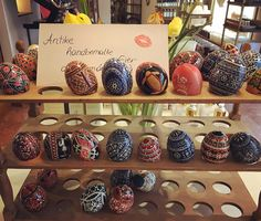 #handbemalt #antik #ostereier #ostern #beauty #cosmetics #nichebrands #sustainability #loveit #love #best #makeup #skincare #healthy #detox #perfumes #natural #like #vienna #kussmund #kussmundwien Re-post by Hold With Hope