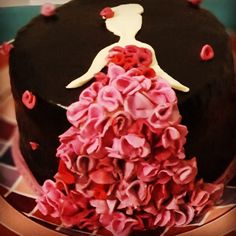 @arnicake Cake Toronto, Desserts, Food, Tailgate Desserts, Deserts, Essen, Postres, Meals, Dessert