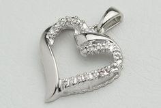 Zeitlose Eleganz: WEISSGOLD BRILLANT HERZ Anhänger von GoldenShop24 Jewelry Watches, Jewelry Necklaces, Bracelets, Natural Diamonds, Wedding Anniversary, Fine Jewelry, White Gold, Pendants, Pendant Necklace