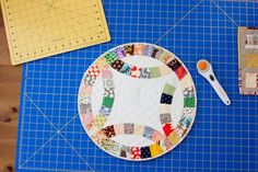 double wedding ring mini quilt by the sometimes crafter