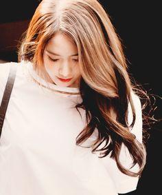 beauty and hairs ‹ Log In Kim Hyoyeon, Yoona Snsd, Sooyoung, Korean Girl, Asian Girl, Korean Style, Jessica Jung, Korean Actresses, Ulzzang Girl