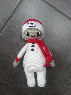 Here is little Noo Noo in her snowman costume. She was very excited to receive an invitation to the Big Christmas Costume Party this year and having deliberated long and hard she finally settled on this adorable snowman costume! I'm sure that you'll agree she's bound to win first prize!