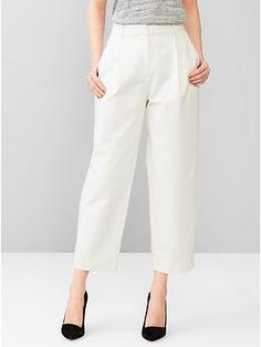 cool girl pleated and wide leg. must be rocked with HEELS.  Pleated pants