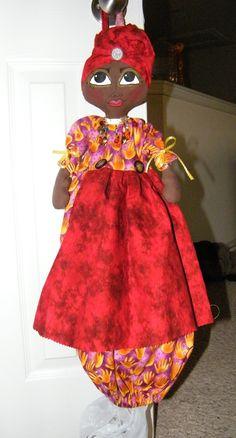 Plastic Bag Holder Doll  creativitybyjulia.blogspot.com