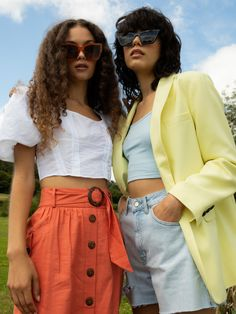 Bold colour pop pieces for all your summer outfits. Our lemon yellow suit blazer is designed in single breasted style. Add some sunshine to your smart wardrobe for a look that is smart with a fun feel. Contains polyester from recycled plastic bottles and other plastic items, helping to conserve natural resources. Our ivory puff corset blouse is an elegant piece you need this season to elevate your edit. We're all about big sleeve drama, to create an exaggerated look you will truly adore.