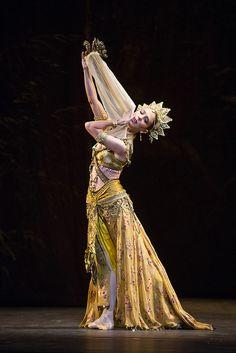 Laura Morera in La Bayadère © ROH/Tristram Kenton, 2013 by Royal Opera House Covent Garden, via Flickr