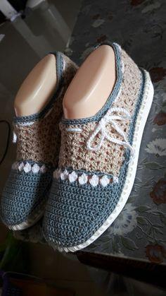 Crochet Sandals, Crochet Boots, Crochet Clothes, Knit Crochet, Knit Shoes, Sock Shoes, Shoe Boots, Shoe Pattern, Knitted Slippers