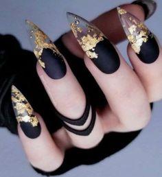 35 Classy Gold Nail Art Designs for Fall in 2020 Edgy Nails, Dark Nails, Stylish Nails, Swag Nails, Grunge Nails, Perfect Nails, Gorgeous Nails, Pretty Nails, Nail Design Stiletto