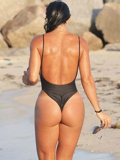 michelle-lewin-black-thong-swimsuit-6