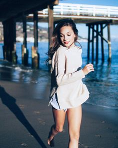 Maddie Ziegler (USA) - dancer and model Maddie Mackenzie, Mackenzie Ziegler, Niñas Del Reality Show Dance Moms, Dance Moms Comics, Style Hip Hop, Dance Mums, Dance Moms Girls, Poses, Photo Sessions