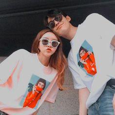 ପ ˿⁽ @ 𝓀𝓎𝑜𝓍𝓎𝑜𝓃𝑔 ✧ ˚ ༘ — hastags ; Cute Couples Photos, Cute Couple Pictures, Best Friend Pictures, Cute Couples Goals, Couple Goals, Couple Ulzzang, Ulzzang Korean Girl, Korean Best Friends, Girl Korea
