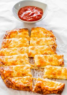 27 Low-Carb Versions Of Your Favorite Comfort Food... Love cauliflower, love cheesy bread. Good combo
