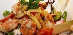 Brasserie / restaurant Nouv'eau Tabl'eau biedt u een uitgebreide menukaart aan van ontbijtmenu's naar kleine lunches en verder naar een assortiment van vis-en vleesgerechten . Onze chef stelt naast de dagschotel telkens een nieuw palet van seizoensgebonden suggesties voor heerlijk te kunnen genieten!
