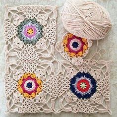 crochet motif Crochet and arts: Beautiful crochet motif Vintage Crochet Patterns, Crochet Motifs, Crochet Chart, Crochet Squares, Love Crochet, Beautiful Crochet, Crochet Flowers, Crochet Lace, Crochet Stitches