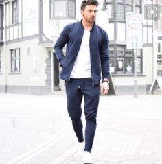 Here is Jogger Outfit Mens Idea for you. Jogger Outfit Mens 3 ways to keep a casual look fresh men casual joggers. Jogger Outfit M. Sport Style, Style Men, Men's Style, Jogger Outfit, Outfit Jeans, Mode Outfits, Sport Outfits, Fashion Outfits, Fasion
