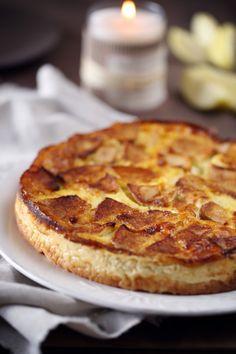 La flognarde (ou flaugnarde) est une spécialité du Limousin que l'on trouve aussi en Auvergne. C'est un flan cousin du clafoutis et dans lequel on peut y m