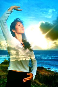 """Commonly known as """"Chinese Yoga"""" and """"Feng Shui for the body,"""" Qigong is an ancient form of Chinese medicine exercise that """"decreases the aging process"""" Tai Chi Chuan, Tai Chi Qigong, Qi Gong, Water Movement, Aging Process, Alternative Medicine, Alternative Health, Chinese Medicine, Yoga"""