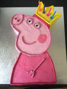 Peppa Pig strawberry buttercream cake