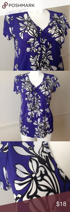 Indigo Blue, White & Black Floral Semi-Sheer Top Indigo Blue, White & Black Floral Semi-Sheer Top. 100% Nylon. Excellent Used Condition. Size XXL. 🚫No holds 🚫No lowball offers 🚫No trades ✅Please submit reasonable offers via the offer button OR 🎁Bundle & save! Merona Tops Blouses