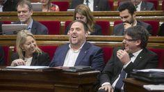 """Puigdemont niega """"negociaciones"""" con Rajoy para tranquilizar a ERC y la CUP"""
