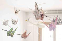 Móvil de origami -Grullas de Origami-Manualidades infantiles- Petit-on