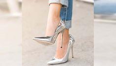 Los zapatos en colores metálicos vienen muy fuertes en esta temporada. Son colores que dan luz,brillo, elegancia y glamour... Sigue leyendo en: http://paris-jeans.com/blog_homepage/cmo-combinar-zapatos-dorados-313 #ParisJeans #Moda #Primavera #Verano #Estilo #Jeans #Mujer #MustHave #TrendAlert