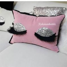 Wonderful Mesmerizing Sewing Ideas for All. Awe Inspiring Wonderful Mesmerizing Sewing Ideas for All. Sewing Pillows, Diy Pillows, Decorative Pillows, Cushions, Handmade Pillows, Eyelash Pillow, Crochet Hook Set, How To Make Pillows, Love Sewing