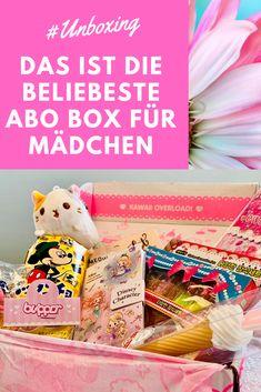 Die Kawaii Box direkt aus Japan, Versand weltweit kostenlos. 8-10 sorgfältig kuratierte süsse Kawaii Artikel. Alle Abonnenten nehmen außerdem jeden Monat an einer Verlosung teil, um die Kawaii Megabox zu gewinnen, zu der neben den regulären Kawaii Box-Artikeln auch Plüschtiere, Geldbörsen und Taschen, Beauty-Accessoires und mehr gehören.  Sichere dir jetzt dein Willkommensgeschenk und bestelle dir deine erste Box $5 günstiger !