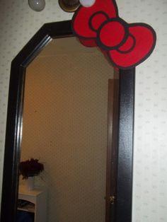 Hello Kitty Mirror/ me acaba de dar una idea para el mío, quedaría increíble