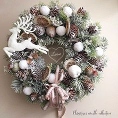 Christmas Swags, Christmas Door Decorations, Xmas Wreaths, Christmas Mood, Retro Christmas, Christmas Crafts, Natural Christmas, Fall Crafts, Cute Christmas Wallpaper
