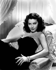 Ava Gardner was and is considered to be one of the most stunningly beautiful women that ever lived, let alone in Hollywood. Hollywood Vintage, Old Hollywood Glamour, Classic Hollywood, Hollywood Wedding, Hollywood Fashion, Hollywood Stars, Hollywood Icons, Golden Age Of Hollywood, Hollywood Actresses