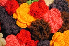 The Flower Repository- Lots of FREE flower patterns on cre8tioncrochet