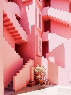 Muralla Roja, by Ricardo Bofill Taller de Arquitectura, in Calpe, Spain. - Muralla Roja, by Ricardo Bofill Taller de. Interior Architecture, Interior And Exterior, Interior Design, Spanish Architecture, Stairs Architecture, Interior Stairs, Design Art, Garde Corps Design, Ricardo Bofill
