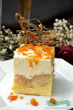 Apple Cake with cream Romanian Desserts, Romanian Food, No Cook Desserts, Delicious Desserts, Yummy Food, Apple Recipes, Cake Recipes, Best Cheese, Homemade Cookies