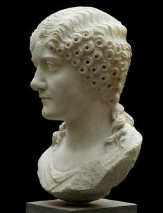 Roman Lady. Marble. 30—50 CE. Height 36 cm. Inv. No. 754. Copenhagen, New Carlsberg Glyptotek