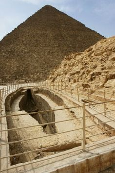 Boat pit and the Pyramids