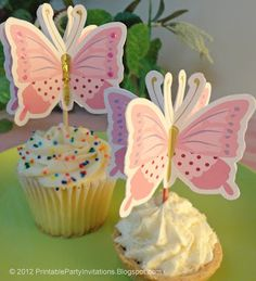 free 3D Butterfly Cupcake Topper Printable: Party Planning Center  http://partyplanningcenter.blogspot.ch/#