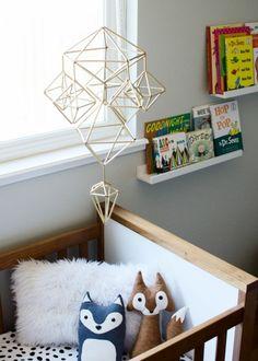 Himmeli Mobile para o berçário Creative Kids Rooms, Turbulence Deco, Deco Originale, Diy Pillows, Baby Decor, Diy Design, Book Design, Vintage Rugs, Diy Home Decor