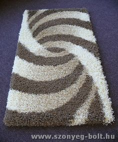 Carpet Runners In Johannesburg Referral: 7494583351 Hand Embroidery Designs, Diy Embroidery, Diy Carpet, Rugs On Carpet, Braided Rag Rugs, Rug Yarn, Pom Pom Rug, Latch Hook Rugs, Shaggy Rug
