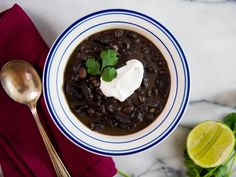 Lazy Cold-Weather Dinner: Easy Pressure Cooker Black Bean Soup With Smoked Sausage
