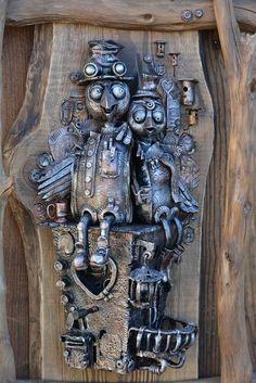 Керамические работы Петра Салейко. | Colors.life Collages, Scrap Metal Art, Mixed Media Art, Mix Media, Robot Art, Dark Backgrounds, Diy Room Decor, Furniture Inspiration, Lion Sculpture