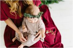 Wedding Photography - Memorable and imaginative wedding photo inspirations. indoor wedding photography settings stamp 2018672490 produced on 20190228 , Holiday Mini Session, Christmas Mini Sessions, Christmas Minis, Outdoor Christmas, Christmas Pictures, Simple Christmas, Family Christmas, Christmas Themes, Minimal Christmas