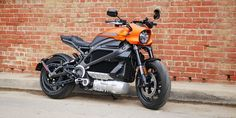 On the recent trip to Los Angeles, I got my hands on the new Harley-Davidson LiveWire electric motorcycle. More than my weeklong trip it became my ride everywhere. From winding down Mulholland Generate to cruising along Sun Boulevard to weaving through traffic on the tips, the LiveWire and I actually got to know each other pretty well […] #harleydavidsonstreetcustom #harleydavidsonstreetrod #harleydavidsonstreetbobber #harleydavidsonstreet750 #harleydavidsonstreetroadking… Harley Davidson Stock, Harley Davidson Dealers, Harley Davidson Street Glide, Harley Davidson Motorcycles, Harley Davidson Electric Motorcycle, Ducati Motorcycles, Bmw Adventure Bike, Used Bmw, Motorcycle Manufacturers