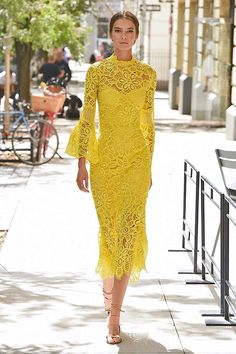 "DW yellow is fairly easy to spot because it's cool but has a distinctive black undertone making it look quite ""muddy"" while still being bright. Elegant Dresses, Beautiful Dresses, Nice Dresses, Casual Dresses, Short Dresses, Women's Casual, Dress Brukat, Dress Outfits, Fashion Dresses"