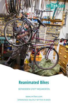 """Wozu wegwerfen, wenn man reparieren kann? Als Co-Founder von Reanimated Bikes, angesiedelt in der Westbahnstraße 35, in Wien, setzt sich Richard mit seinem Team für mehr Nachhaltigkeit auf den Straßen Wiens ein. """"Wir machen aus Taubenklos perfekte Stadträder"""", lautet es auf der Website der Radchirurgen.   #im7ten #neubau #reanimatedbikes #radfahren #nachhaltigkeit #westbahnstraße Bike, Ethnic Recipes, New Construction, Bicycling, Sustainability, Bicycle, Bicycles"""