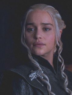 Iphone Wallpaper Photos, Emelia Clarke, Emilia Clarke Daenerys Targaryen, Black High Heel Pumps, High Elf, Fantasy Art Women, Sansa Stark, Mother Of Dragons, Khaleesi
